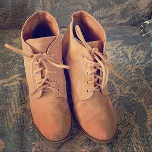 Light gold brown booties